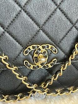 1000% AUTHENTIC RARE! Chanel 19 Flap Infinity Top Handle Small Black GHW Bag